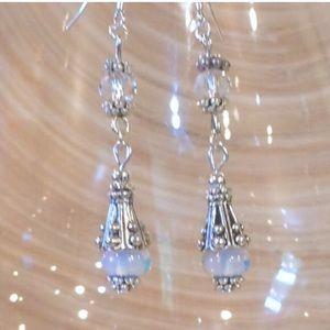 Jewelry - Moonstone dangle earrings